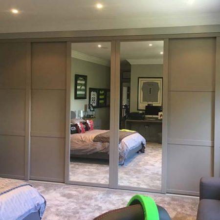 Munro-Floors-Sliding-Wardrobe-Doors