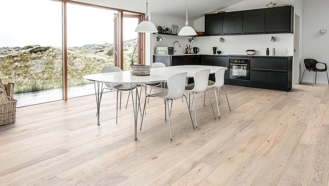 Munro-Floors-Kahrs-Hardwood-Flooring-Kitchen