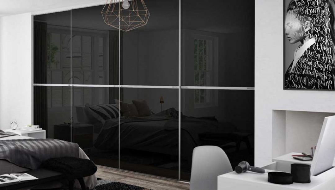 Munro-Floors-Spacepro-Sliding-Wardrobe-Doors-Minimalist-Black-Glass